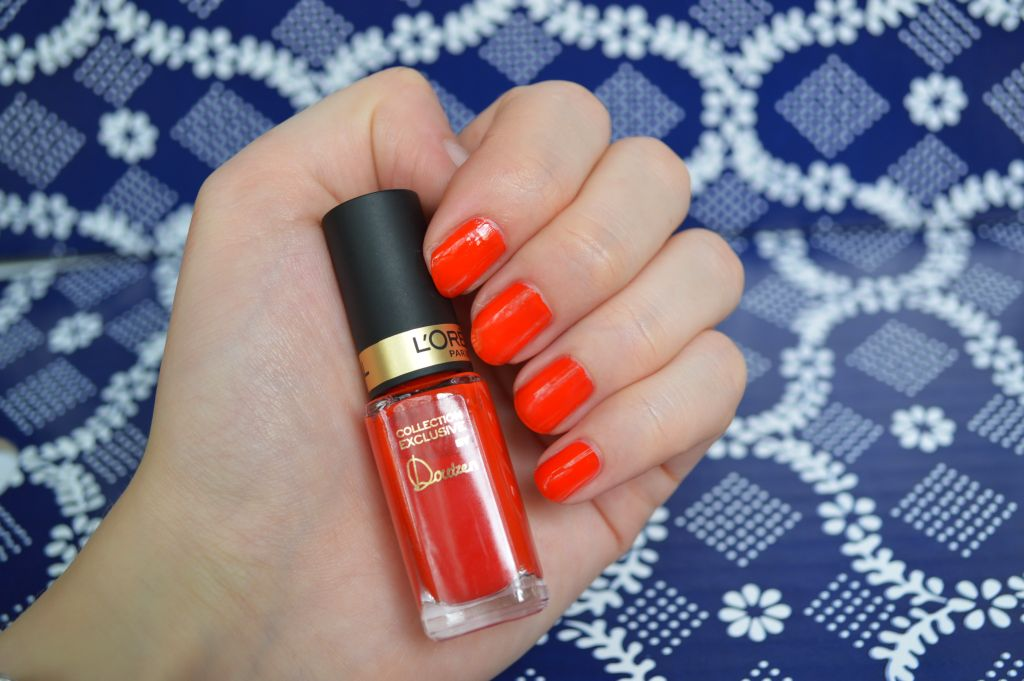 Doutzen's pure red nail polish swatch